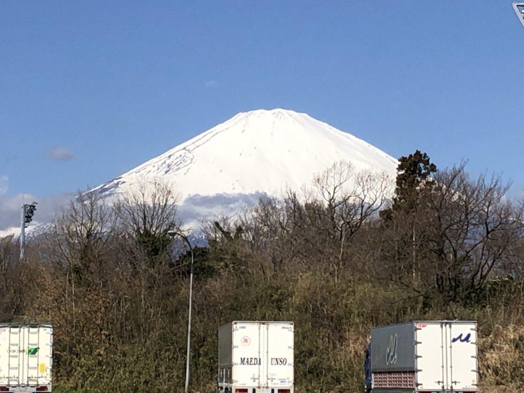 富士山の見えるサービスエリア