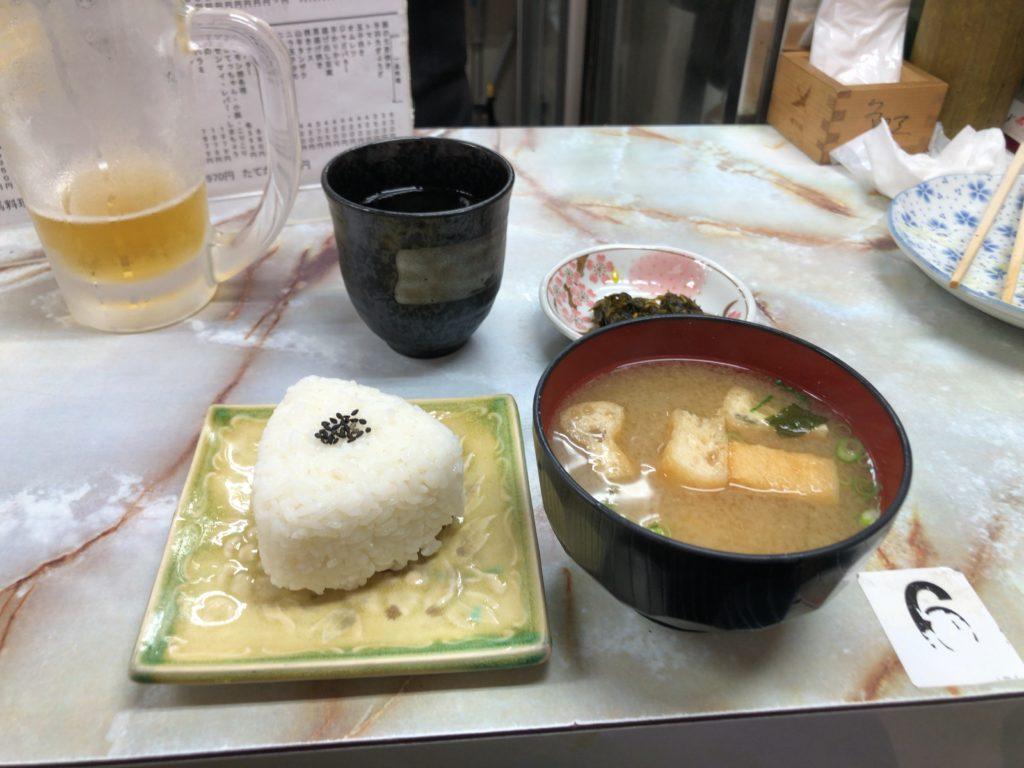 多田屋 おにぎり 味噌汁