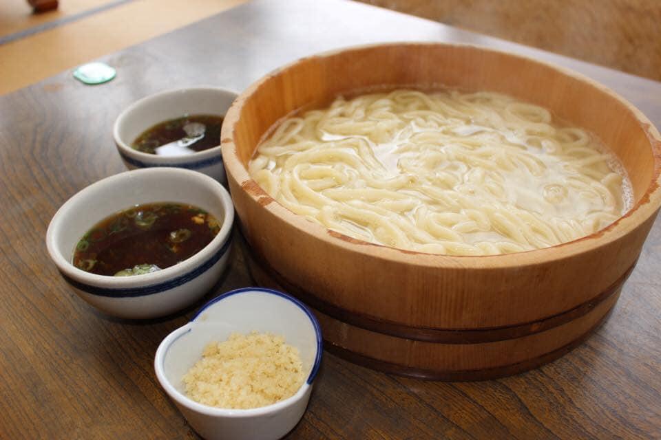 徳島の郷土料理「たらいうどん」!なぜうどんがたらいに(泣)